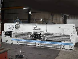 Ajax Chin Hung Lathes from 780mm to 1020mm swing - picture9' - Click to enlarge