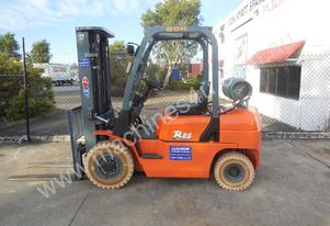 Used Container Entry 2.5 Ton With Non Marking Tyre