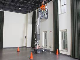 JLG 20AM Vertical Lift - picture2' - Click to enlarge