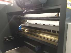 Madison 125 ton x 3.2m NC Press Brake - picture5' - Click to enlarge