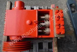 HEAVY DUTY TRIPLEX HIGH PRESSURE DISPLACEMENT PUMP