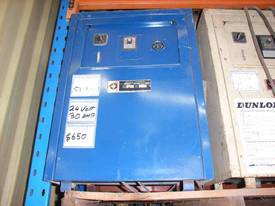 WESTINGHOUSE 24VOLT FORKLIFT BATTERY CHARGER - picture0' - Click to enlarge