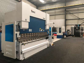 Yawei PBH 110-3100 CNC7 Precision CNC Synchronised Pressbrake - picture0' - Click to enlarge