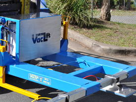 FVLPR Forklift Pallet Rack Vaclift - picture0' - Click to enlarge