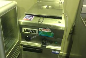 Zanussi   Deep Fryer 211290-16