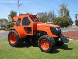Kubota M108DC Tractor - picture2' - Click to enlarge