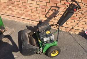 John Deere 220 Walk behind mower Lawn Equipment
