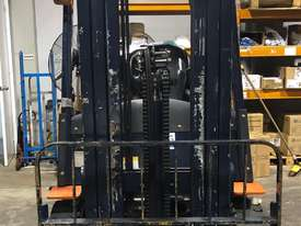 HELI 2.5T LPG CONTAINER ENTRY FORKLIFT - LOW HOURS - picture2' - Click to enlarge