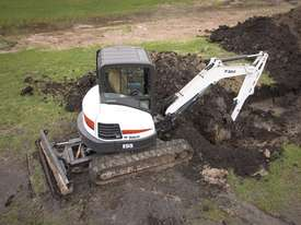 E55 Excavator - picture0' - Click to enlarge