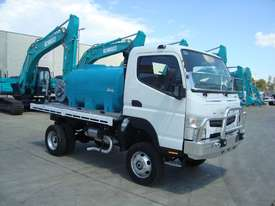 Fuso Canter Water truck Truck - picture0' - Click to enlarge