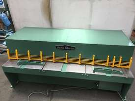 ACRASHEAR Hydraulic Guillotine 3mm x 2450 mm - picture0' - Click to enlarge