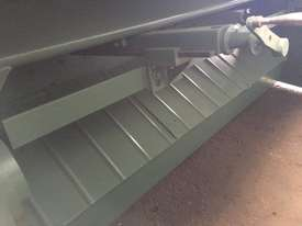 ACRASHEAR Hydraulic Guillotine 3mm x 2450 mm - picture1' - Click to enlarge