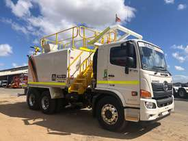 NEW 2018 HINO FM 2628 6X4 WATER TRUCK - picture0' - Click to enlarge