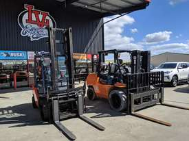 *RENTAL* 3.0 - 4.5 TONNE FORKLIFT PER DAY - picture0' - Click to enlarge