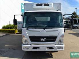 2019 Hyundai MIGHTY EX4  Freezer Refrigerated Truck  - picture2' - Click to enlarge