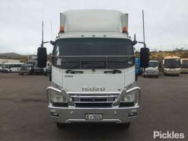 2009 Isuzu FRR600 Long - picture2' - Click to enlarge