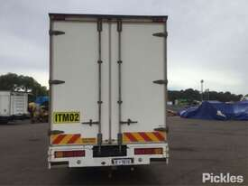 2009 Isuzu FRR600 Long - picture6' - Click to enlarge