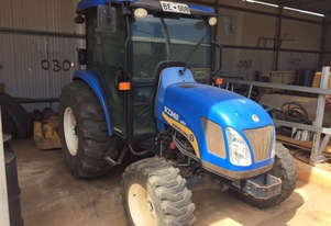New Holland Boomer 4055 FWA/4WD Tractor