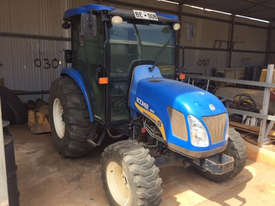 New Holland Boomer 4055 FWA/4WD Tractor - picture0' - Click to enlarge
