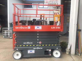 Electric Scissor Lifts - picture1' - Click to enlarge
