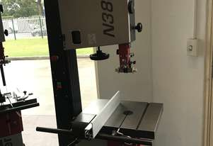 Stock Clearance Hammer N3800 Bandsaw for only $1990!