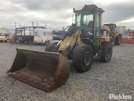 2004 Caterpillar 924G - picture2' - Click to enlarge