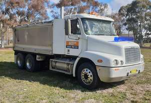 Used 2004 Freightliner 6x4 Tipper Truck for sale