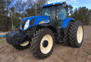 New Holland T7050 FWA/4WD Tractor
