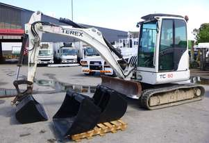 2006 Terex HR20 6 Tonne Rubber Tracked Excavator with Push Blade & Four Buckets (GA1201)