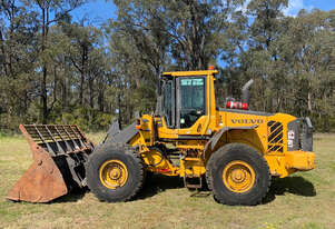 Volvo L70F Loader/Tool Carrier Loader
