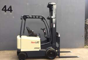 Crown FC4500 2.5 Ton 6.5 Metre Lift Cushion Tyres Compact Electric Forklift - Fully Refurbished