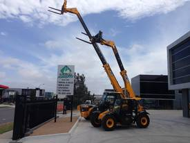 Telehandler hire - picture6' - Click to enlarge