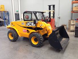 Telehandler hire - picture7' - Click to enlarge
