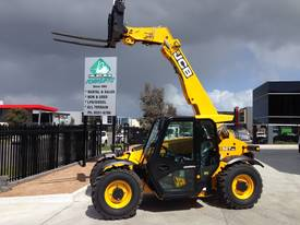 Telehandler hire - picture11' - Click to enlarge