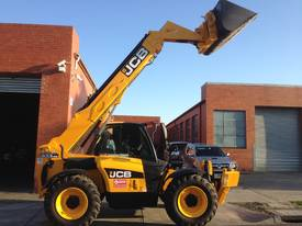 Telehandler hire - picture2' - Click to enlarge