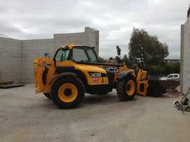 Telehandler hire - picture3' - Click to enlarge