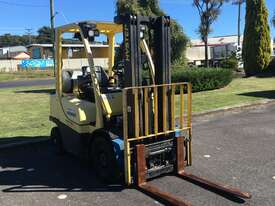 2.5t Counterbalance Forklifts - picture1' - Click to enlarge