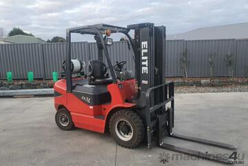 Maximal Forklift 2.5T Container Mast