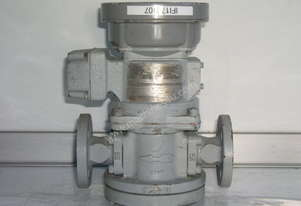 Oval LC553-111-B117-000 Flow Totalizer.