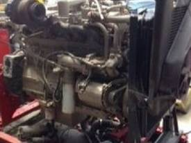 1999 Cummins Big Cam IV STC - picture1' - Click to enlarge