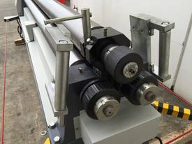 2500mm x 3mm Roller With End Stub Rollers - picture2' - Click to enlarge