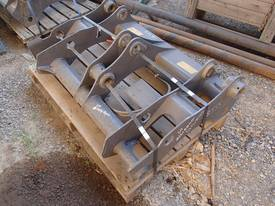 Volvo Backhoe Front Quick Hitch