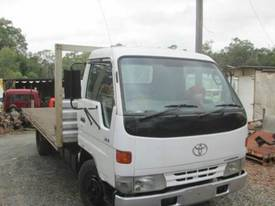 1998 Toyota Dyna 200 Wrecking Trucks - picture0' - Click to enlarge