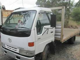1998 Toyota Dyna 200 Wrecking Trucks - picture1' - Click to enlarge