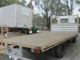 1998 Toyota Dyna 200 Wrecking Trucks - picture2' - Click to enlarge