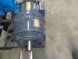CROMPTON / RENOLDS REDUCTION BOX MOTOR/ 20RPM - picture2' - Click to enlarge