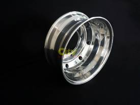 8/275 7.5x19.5 Polished Alloy Rim - picture0' - Click to enlarge