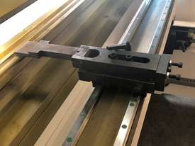 CMT 135T x 3200mm Hydraulic Press Brake - picture12' - Click to enlarge
