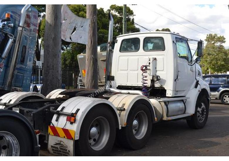 Parts and Wrecking Ford FORD LOUISVILLE HN80 Day Cab Trucks in CHIPPING NORTON, NSW