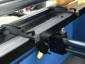Steelmaster ABSOLUTE 3200mm x 90Ton NC2 Pressbrake - picture8' - Click to enlarge